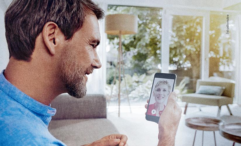 Consigo usar o celular normalmente com aparelho auditivo?