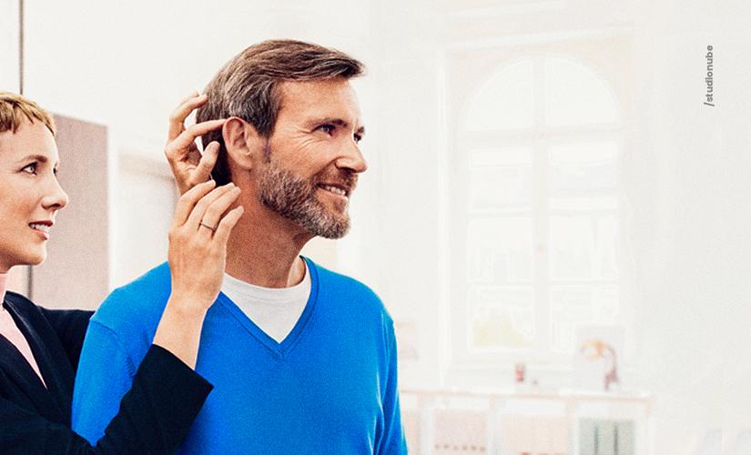 Quanto tempo leva para se acostumar com o aparelho auditivo?