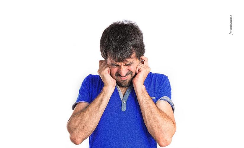 Quais as causas para o ouvido entupido?
