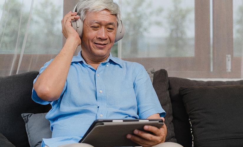 Uso de fones de ouvido aumenta e requer cuidados